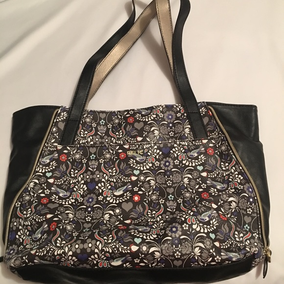 Relic Handbags - NWOT Large Relic Floral Purse